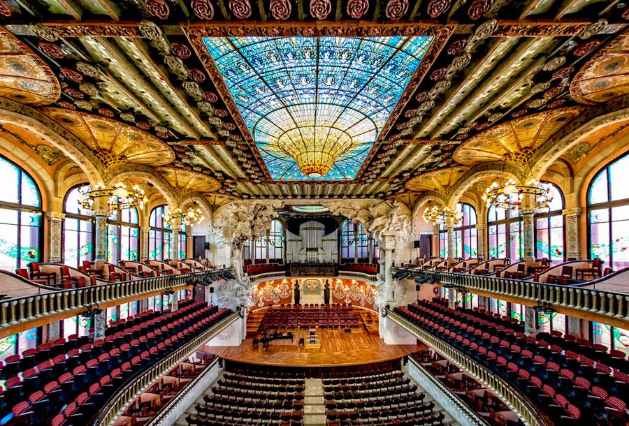 Dvorec-Katalonskoj-Muzyki-Barselona-1